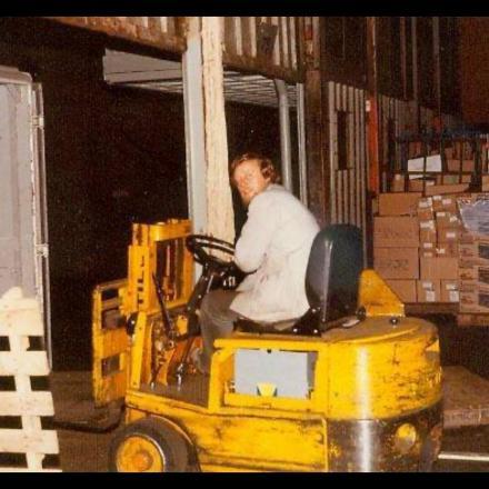 Still heftruck om wagons en vrachtwagens te laden/lossen